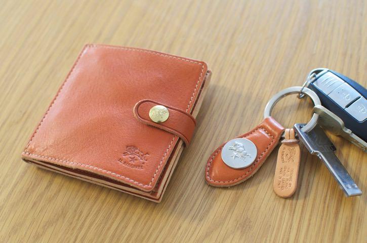 イルビゾンテの二つ折り財布が気に入った