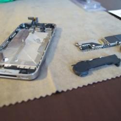 効かなくなったiPhoneホームボタンは交換修理が一番修理過程一部始終を大公開