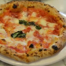 世界No1のピザ350円から本格ピッツァが味わえる「SOLO PIZZA Napoletana 矢場店」