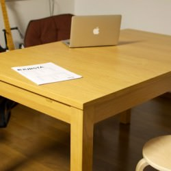 来客時に便利過ぎるIKEAの4~8人掛けにサイズが可変するダイニングテーブル「BJURSTA」購入レビュー