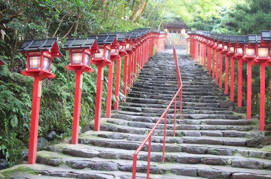 神水に付けて浮かび上がる水占い京都貴船神社に行ってきました