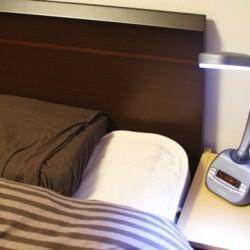 朝日の光を浴びる様にスッキリ目覚められる新感覚の光目覚まし時計「PER3」