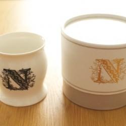 友だちの誕生日プレゼントに良さそうなFrancFrancの「イニシャルマグカップ 」