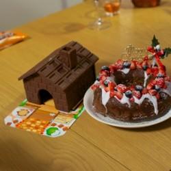 誕生日やクリスマスにピッタリな手作りできるお菓子の家明治「ミルクチョコレートの家」