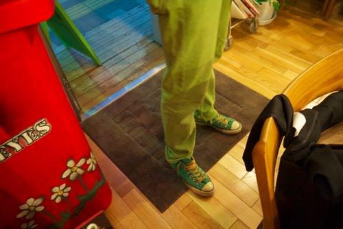 足元も緑のbeat