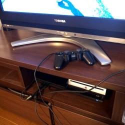 PS3コントローラーの電池切れサヨナラケーブルなしの快適充電 DUALSHOCK 3 充電スタンド