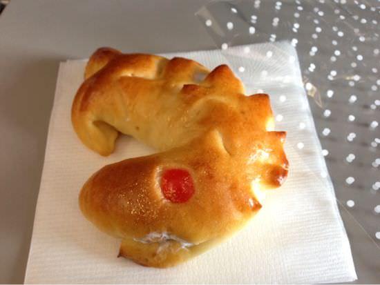 エアアジア 名古屋線就航記念「しゃちほっこりパン」を食す